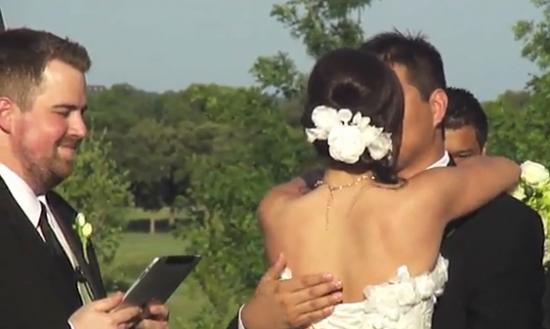 http://www.geekosystem.com/wp-content/uploads/2010/06/ipad-wedding-550x329.png