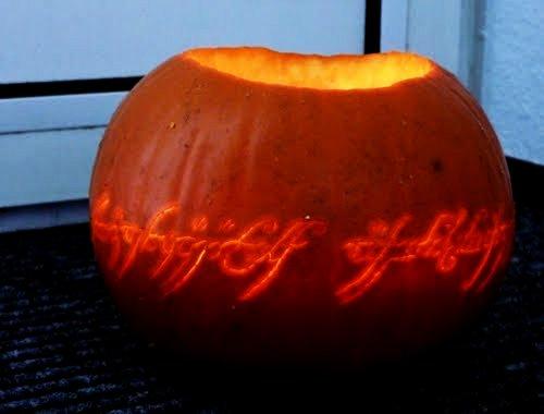 lordoftheringspumpkin1 Nerdy Pumpkin Carving Ideas
