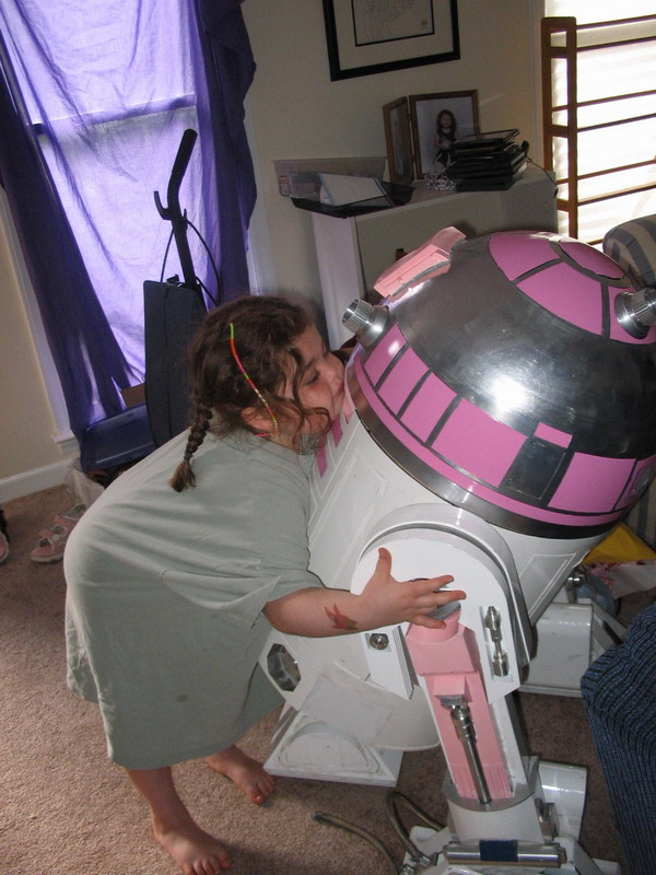 The Story Of R2 Kt The Pink Droid The Mary Sue