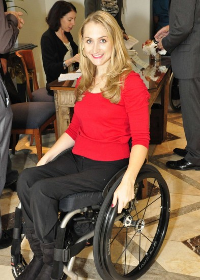 XENI: fashionable clothing for disabled women