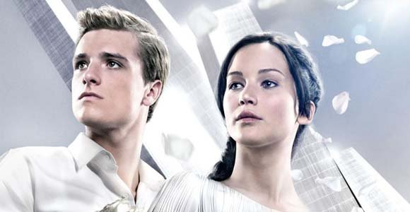 who plays the main character in the hunger games
