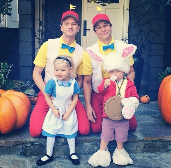 Neil Patrick Harris' Cute Family Halloween Costume | The