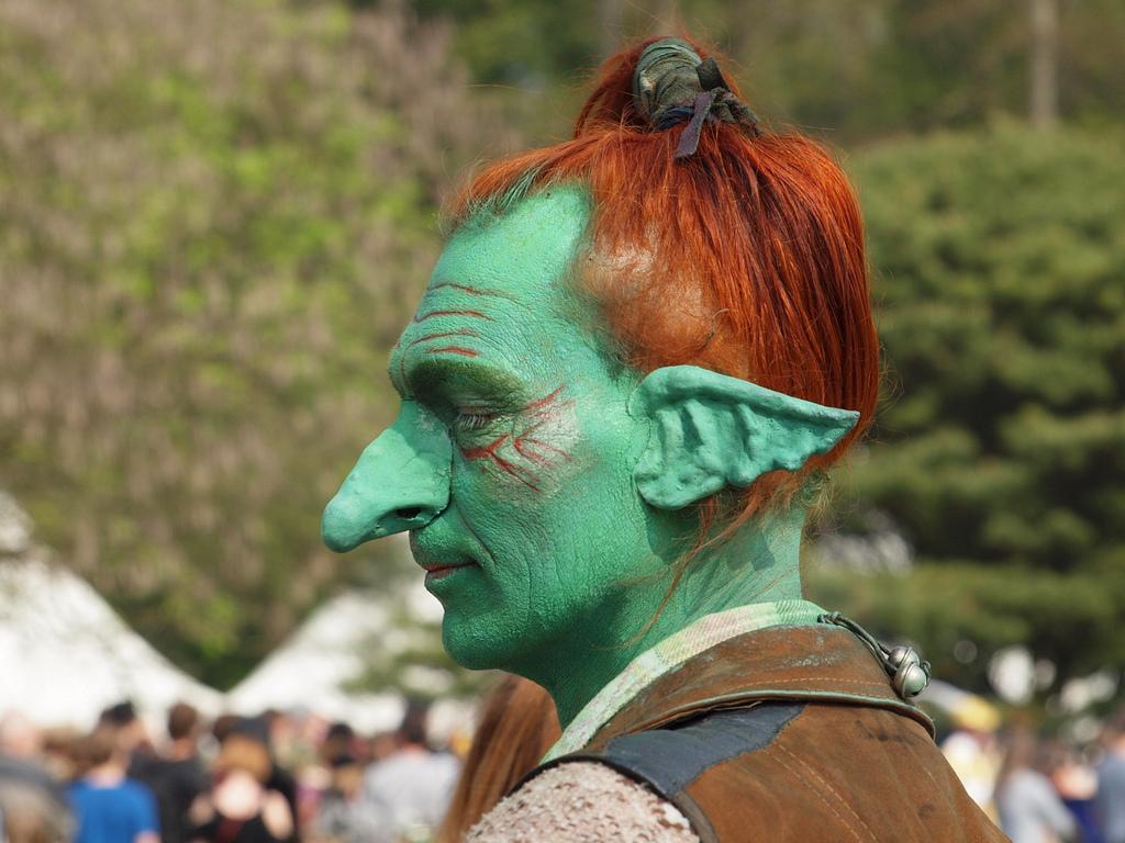 Elvish People 301 Moved Permanently