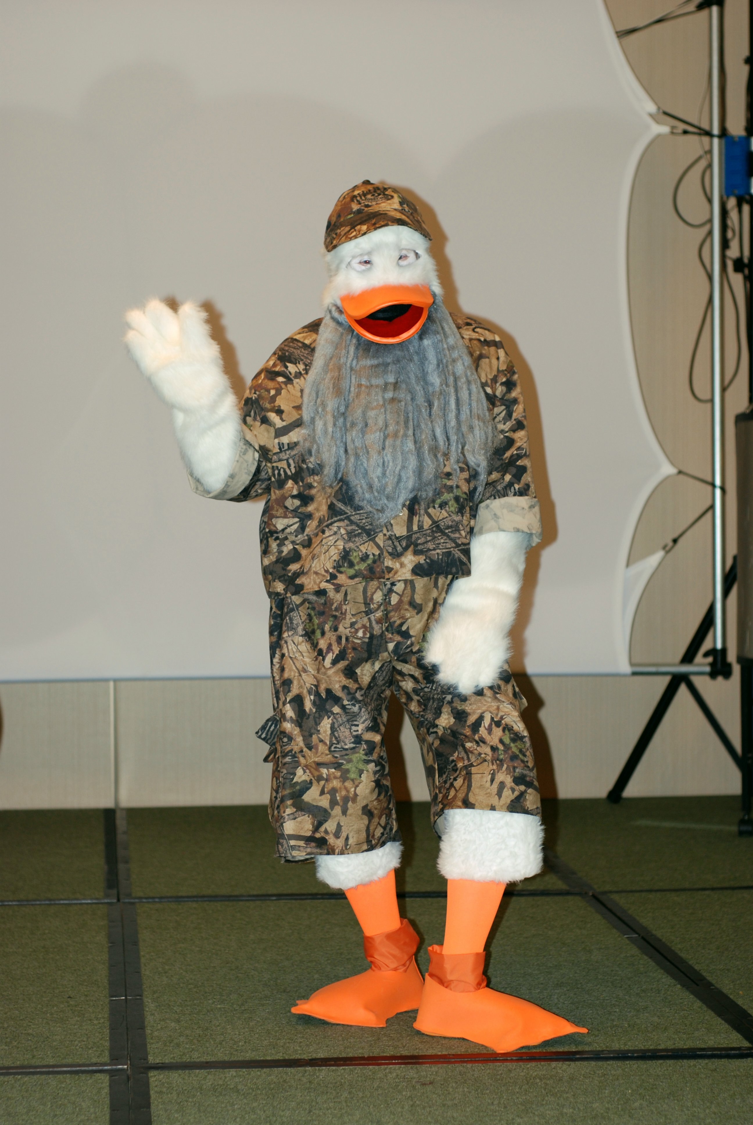 Marvel Howard the Duck Dynasty Cosplay CONtraflow Sci-Fi | The ...