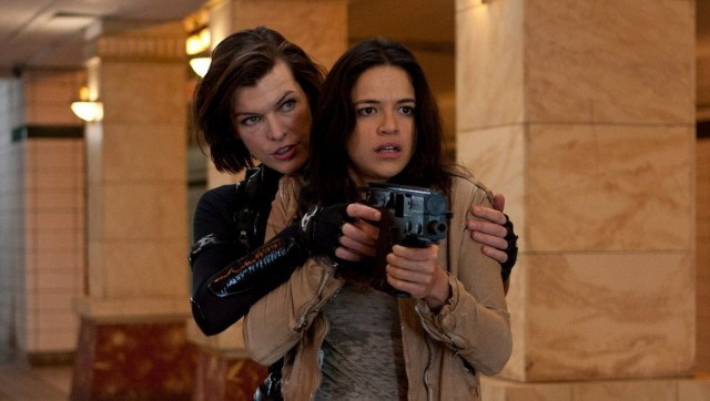 Jovovich Interviews Mi... Milla Jovovich Resident Evil Cast