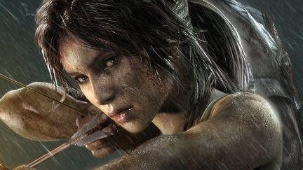 Lara-Croft-from-Tomb-Raider-aiming-bow