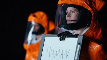 Arrival Review: A Near-Future Sci-Fi Lesson That Says a Lot About Our Present