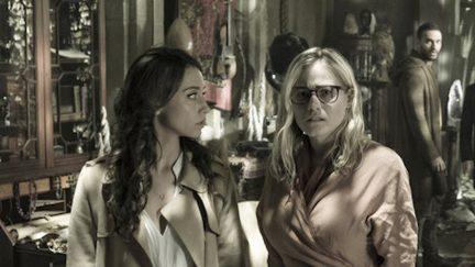 Stella Maeve as Julia Wicker, Olivia Taylor Dudley as Alice in The Magicians Twenty-Three