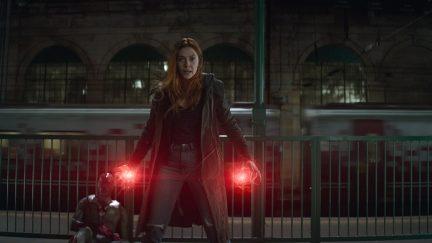 Paul Bettany and Elizabeth Olsen in Avengers: Infinity War (2018)