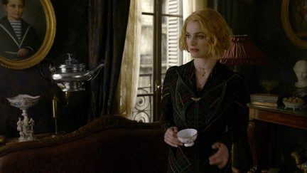 Alison Sudol in Fantastic Beasts- The Crimes of Grindelwald (2018)