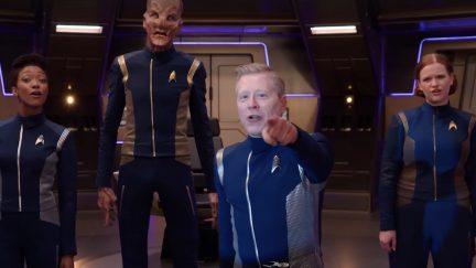Star Trek Discovery's cast sings RENT