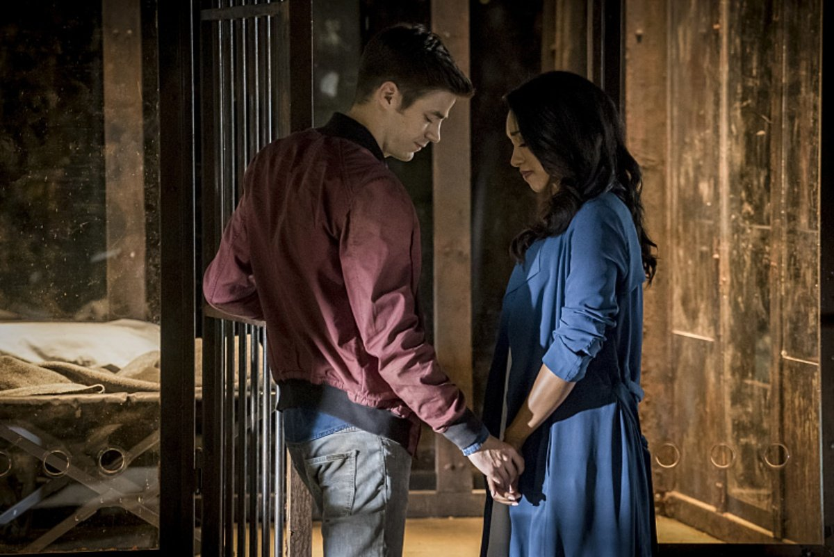 Gustin Defends Racist Remarks about Candice Patton