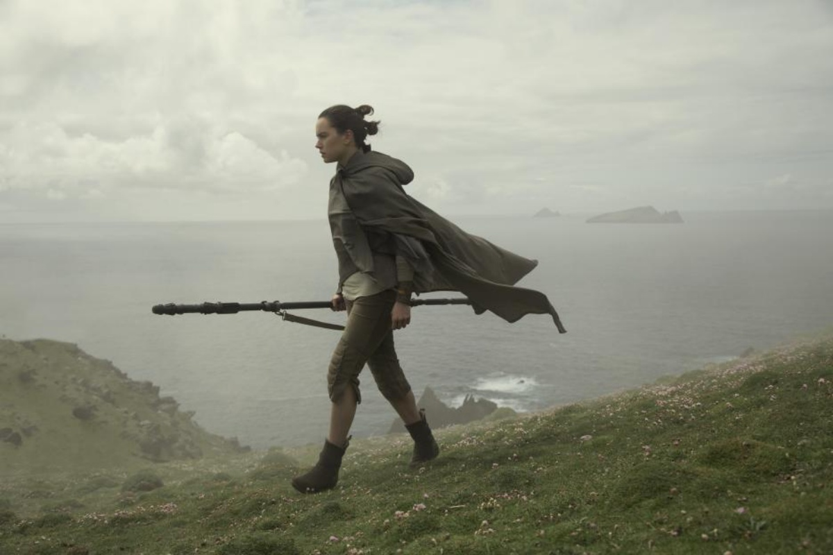 Fans Are Speculating If Rey Might Turn to the Dark Side in Rise of Skywalker After D23 Trailer