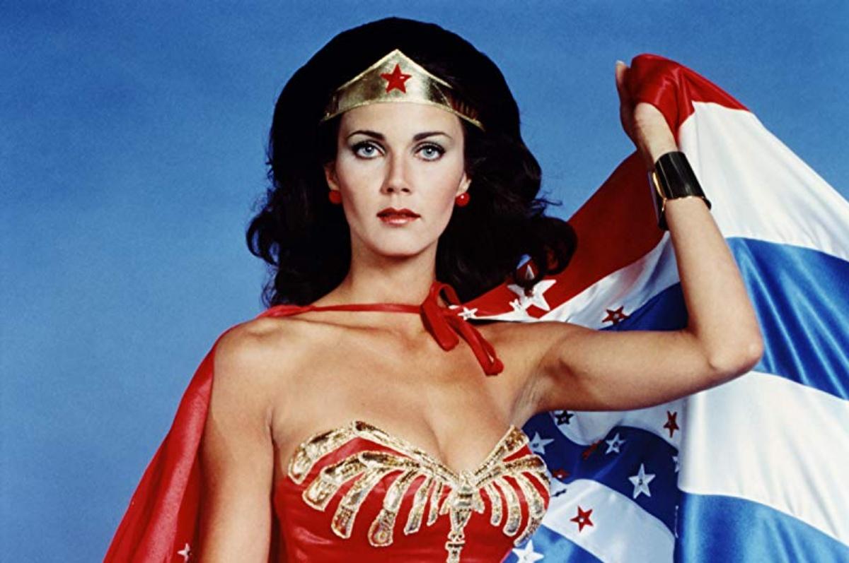 """Lynda Carter May Return as Wonder Woman During Arrowverse """"Crisis"""" Special—Praise Hera!"""