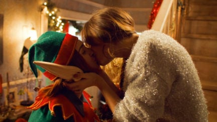 waveryly and nicole kiss on wynonna earp
