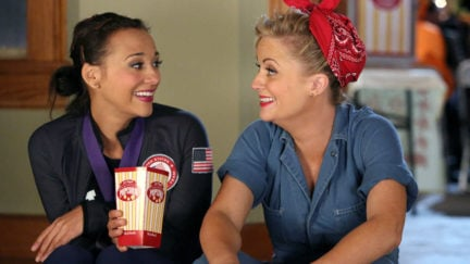 Amy Poehler as Leslie Knope and Rashida Jones as Ann Perkins in Parks and Recreation