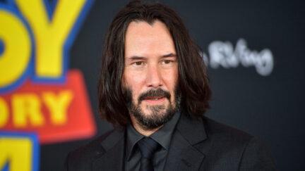LOS ANGELES, CALIFORNIA - JUNE 11: Keanu Reeves attends the premiere of Disney and Pixar's
