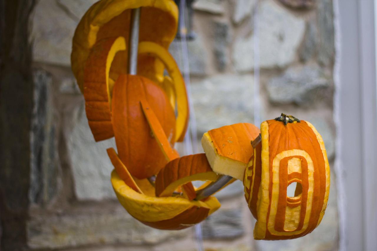 GLaDOS Pumpkin